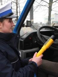 Alkohol tester Lion AlcoBlow při kontrole dopravní policií